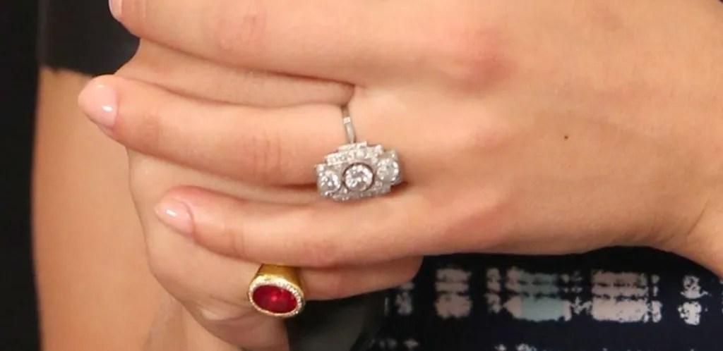 Scarlett Johanssons Engagement Ring Here Are Better