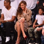 Beyonce In Burberry Prorsum At The Brooklyn Nets Play Off Game Glamour