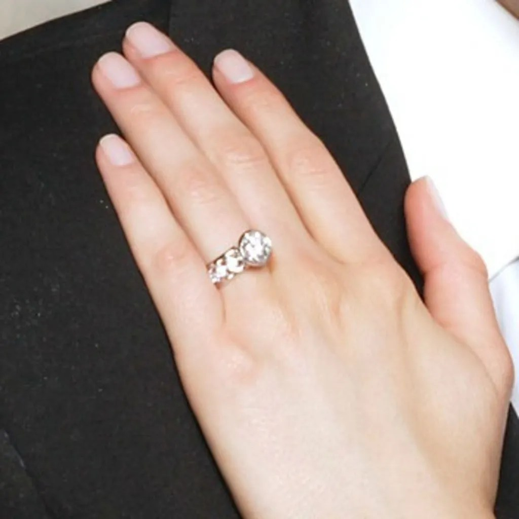 Bachelor And Bachelorette Engagement Ring Photos Glamour