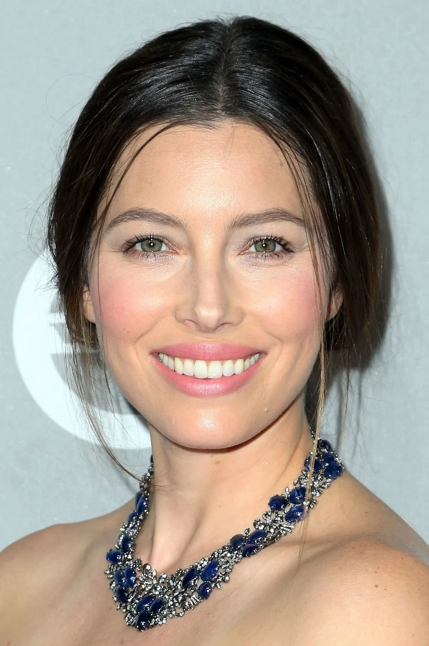 The Non Contouring Makeup Trick Jessica Biel And Reese