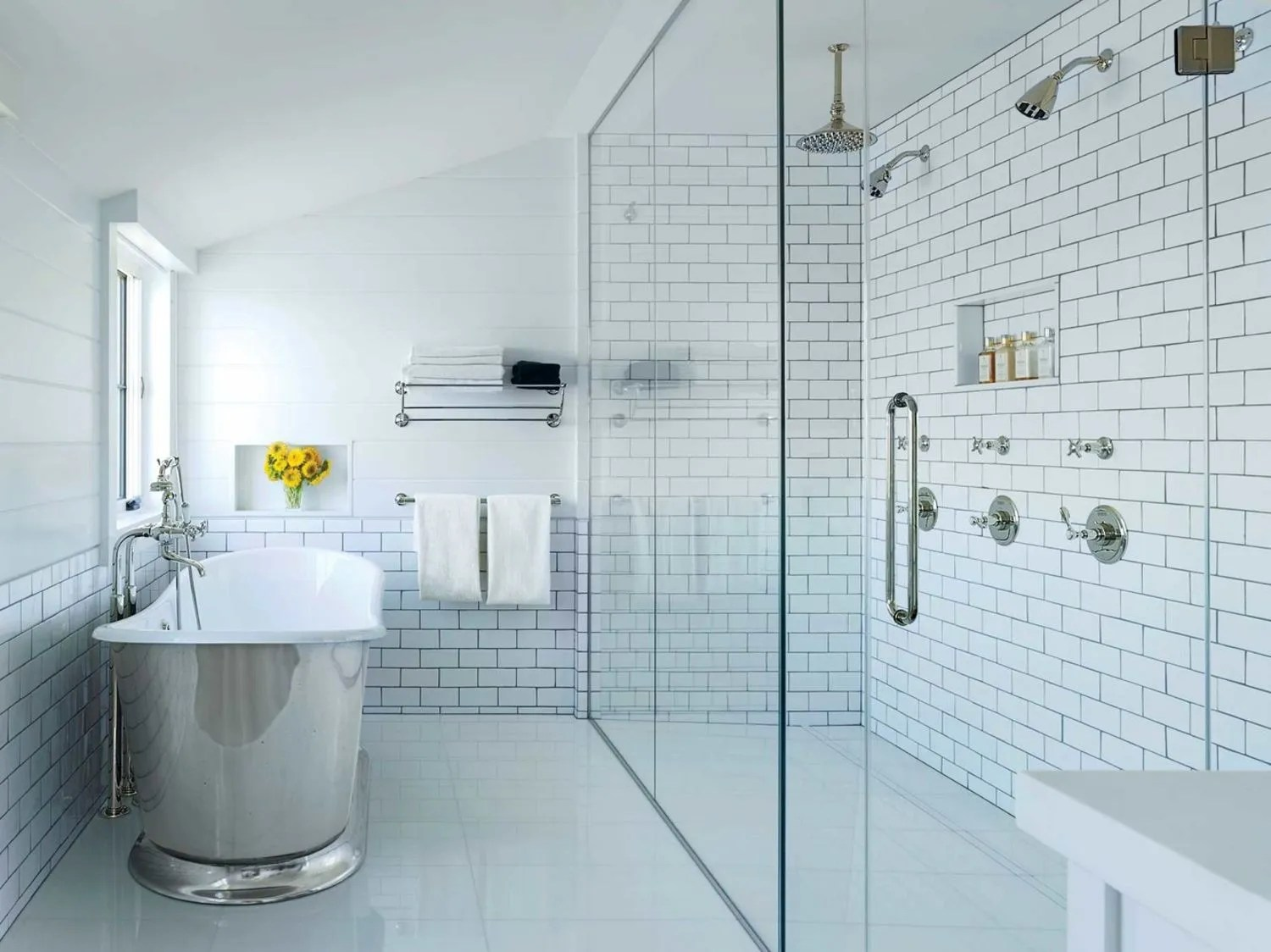 9 Space-Saving Ideas for Your Small Bathroom | Glamour on Bathroom Ideas For Small Spaces  id=71218