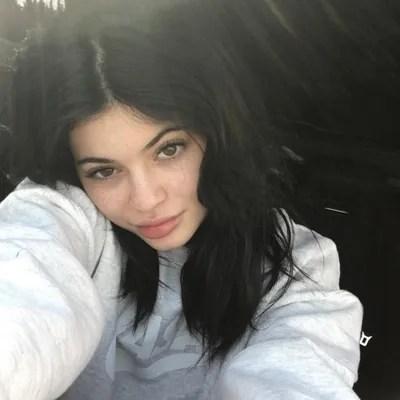 Celebrities Without Makeup 46