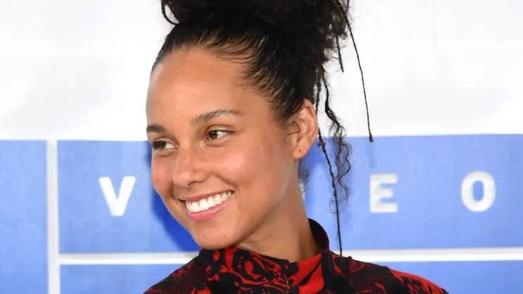 Image result for alicia keys makeup free vmas