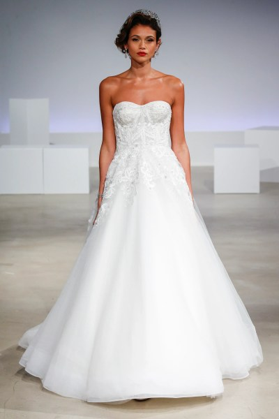 49 Gorgeous Wedding Dresses You ve Never Seen Before   Glamour