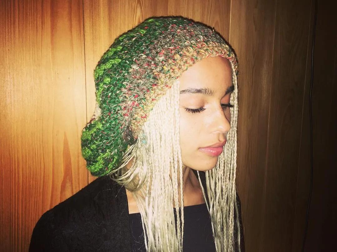 Zo Kravitzs Secret Hair Dye Heart Is Wildly Cool Glamour