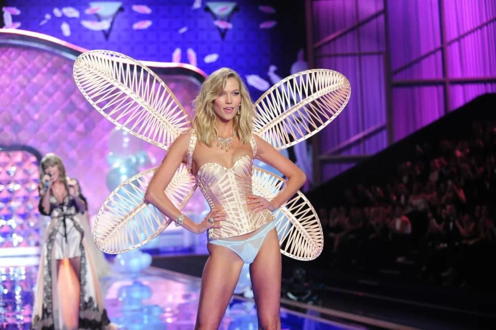 f041c94c529 Here s Every Single Model Walking in the 2017 Victoria s Secret ...