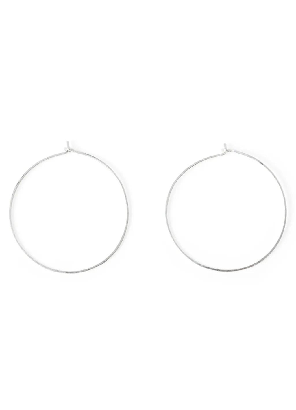 Spring 2018 Wardrobe Essentials: Hoop Earrings