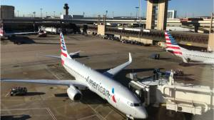NAACP warns black passengers about American Airlines (00:52)
