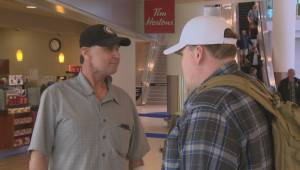 'Four years in the making': Winnipegger meets Washington man who saved his life (00:26)