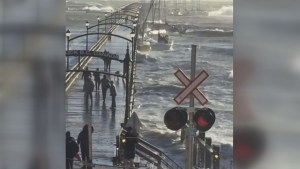 White Rock pier collapses