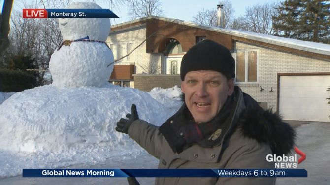 Massive snowman turns heads in Pierrefonds