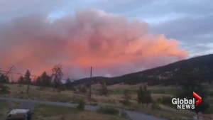 Smoky pink sky hangs over Clinton, B.C. as wildfire rages