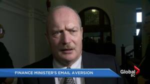 Finance minister de Jong doesn't use email