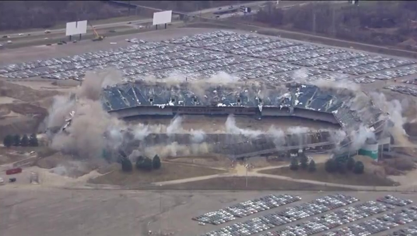 Attempt to implode the Silverdome in MI fails