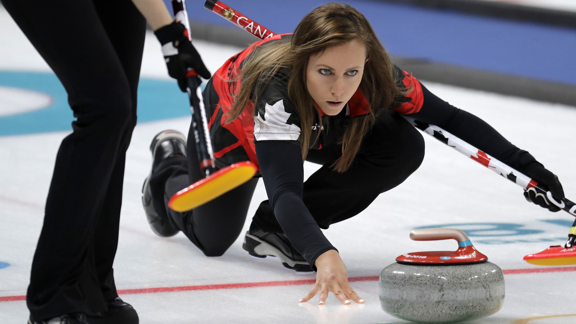 Curling: Stunned Canada out of women's competition