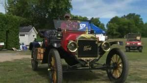 Vintage car expo delights car enthusiasts