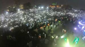 Time-lapse shows Sudanese protesters rallying from dawn to dusk
