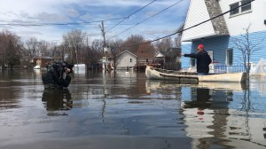 Flood waters up to people's hips in Pointe-Gatineau as Quebec continues to deal with flooding