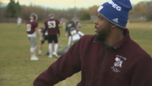Winnipeg Blue Bombers' Kevin Fogg inspiring future football pros