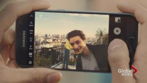 Samsung unveils the Galaxy S7 and S7 Edge in Barcelona (01:21)