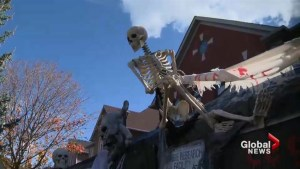 Couple from Markham builds haunted house to raise money for Sick Kids Hospital