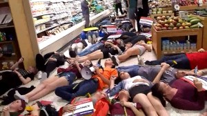 Parkland, Florida students hold 'die-in' at Publix to protest contributions to NRA