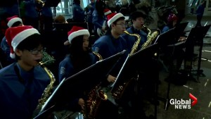 Calgary high school band helps 'de-stress' festive flyers