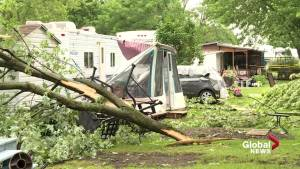 Summer storm damages homes in Saint-Roch-de-l'Achigan, Que. (00:27)