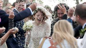 'Game of Thrones' stars Kit Harington and Rose Leslie tie the knot in Scotland