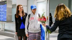 Saudi teen granted asylum, arrives in Canada (01:56)