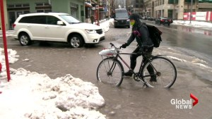 Wet winter weather wreaks havoc on Montreal roads