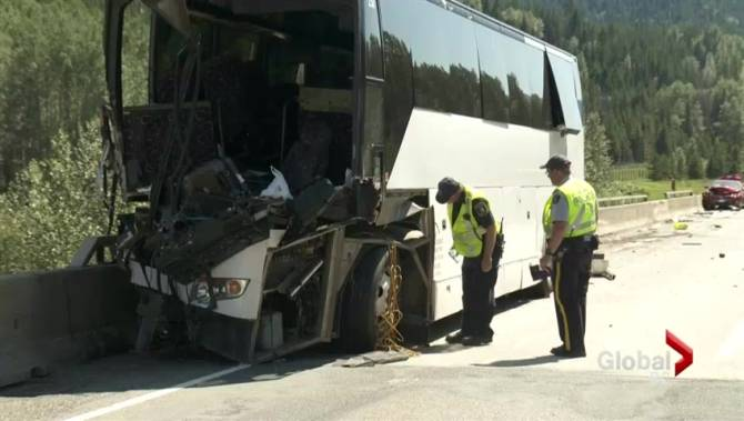 Tow Truck Ottawa >> Charges pending after bus crash on Coquihalla Highway injures dozens | Globalnews.ca