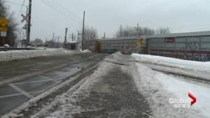Ile-Perrot mom recounts harrowing experience at train crossing