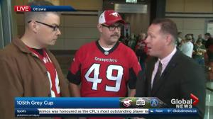 Kevin Smith speaks with Stampeders fans in Ottawa for the Grey Cup