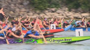 Team-building for a good cause at the Dragon Boat Festival