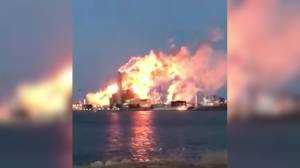 Cellphone video shows extreme flaring at Imperial Oil refinery in Sarnia in Feb. 2017