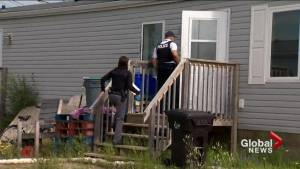 RCMP conducting door-to-door search in Gillam, Man. for B.C. murder suspects