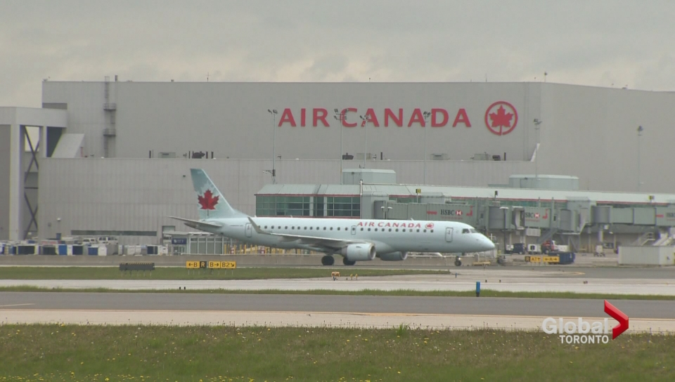 Air Canada seeks credit card partners to boost loyalty program