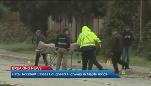 Fatal accident closes Lougheed Highway in Maple Ridge