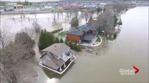 Quebec calls in Army for urgent flood relief