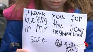 Pittsburgh mom, children thank police in wake of synagogue shooting