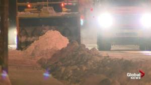Snow removal underway after major Montreal storm (01:46)
