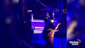 Sign language interpreter keeps up translating on stage with allegedly fastest rapper ever