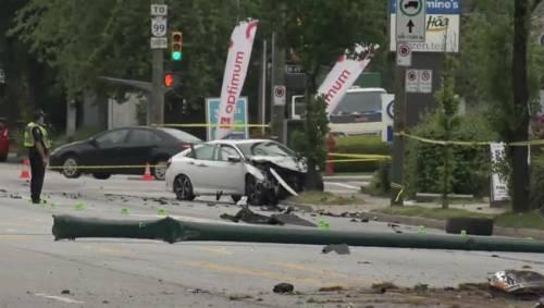 Vancouver car crash shuts down Oak Street | Watch News