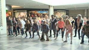"Regina elementary school students host ""Thiller"" flash mob"