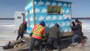 Southern New Brunswick ice fishers clean up ahead of removal deadline (01:55)