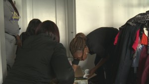 Nigerian asylum seekers welcomed with gifts for new home