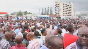 Footage of protest against violence during Nigerian presidential election