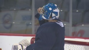 Winnipeg Jets' security staffer replaces goalie during NHL practice
