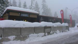 Two men caught up in North Shore avalanche